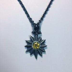Dark Star, Silber massiv, geschwärzt, Citrin. Sehr passend zum 'Snow White'-Outfit.