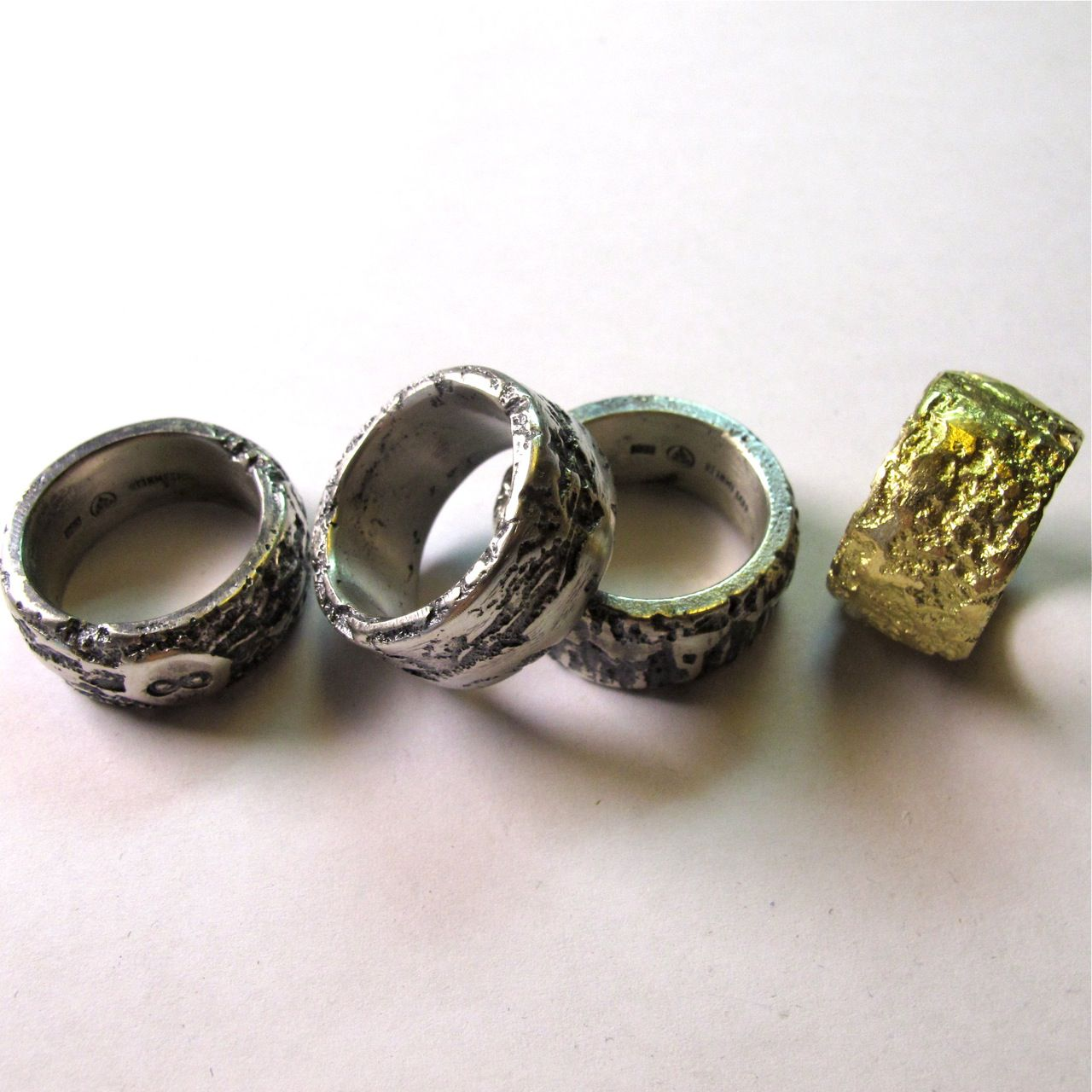 """""""Lava"""", geschwärztes Silber, Gold"""